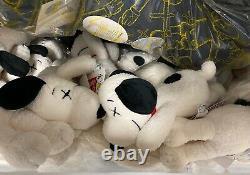 KAWS x Peanuts x Uniqlo Snoopy Plush size Small (White)