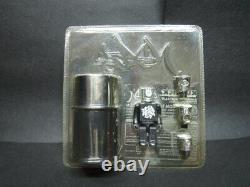 Medicom toys Stash black kubrick 100% kaws MIB figure