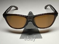 Oakley X KAWS Original Fake Frogskins Rootbeer / Bronze Lens 03-216 XX