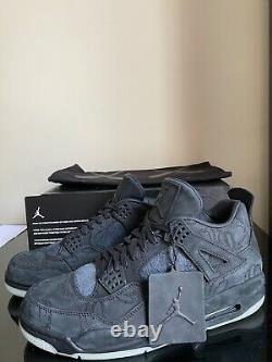 XX Nike KAWS x Air Jordan 4 Retro Black Size 11 930155-001 Xx